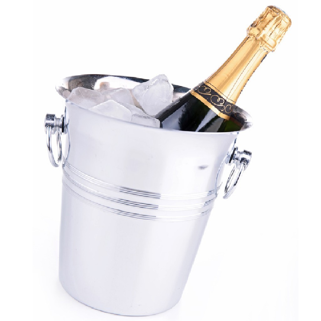 Une bouteille de champagne offerte salembier - Combien de bouteille de champagne par personne ...
